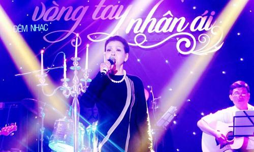 ho-ngoc-ha-lan-dau-song-ca-voi-khanh-ly-trong-live-concert-1