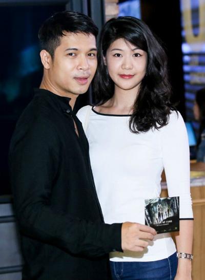 Trương Thế Vinh và Huỳnh Lý Đông Phương gặp gỡ lần đầu trong một buổi thu âm ca khúc của nhạc sĩ Quốc Trung. Sau ba tháng hẹn hò, họ công khai tình cảm vào tháng 9/2014, trong một sự kiện công chiếu phim. Chuyện tình của nữ phi công và chàng diễn viên điển trai nhanh chóng nhận được sự ủng hộ của khán giả.
