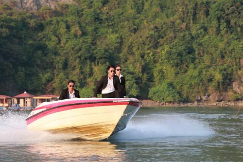 Phần lớn bối cảnh được quay ở vịnh Hạ Long. Phim dự kiến ra mắt ngày 2/12.