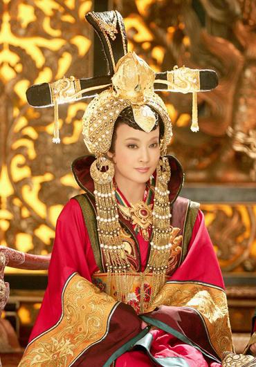 luu-hieu-khanh-hop-tac-voi-nha-san-xuat-game-of-thrones