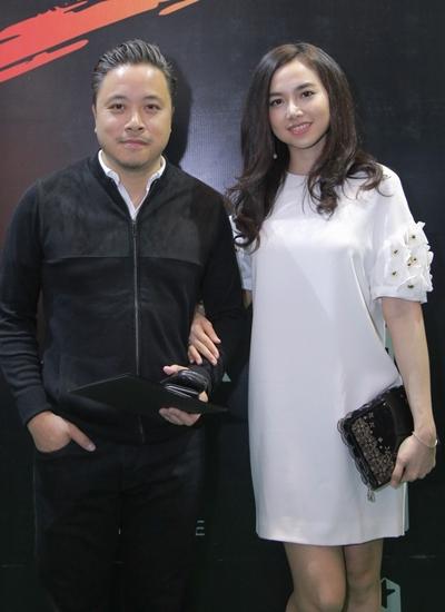 Đinh Ngọc Diệp (phải) và Victor Vũ xuất