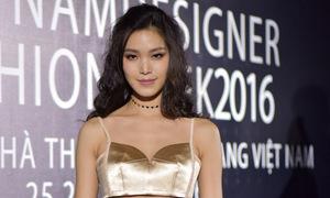 Hoa hậu Thùy Dung diện bra-top khoe eo trong sự kiện