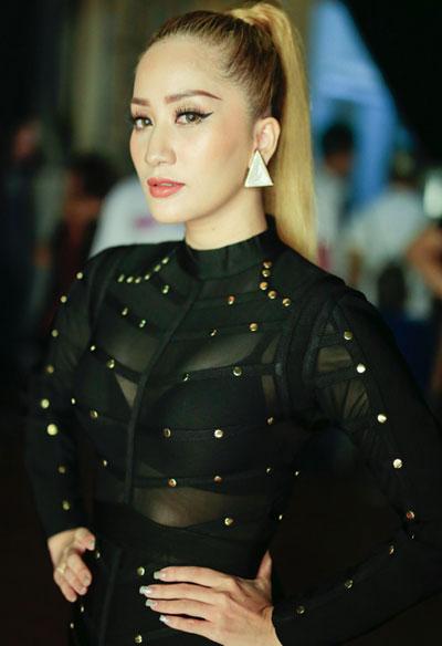 khanh-my-dang-thu-thao-trang-diem-doi-lap-4
