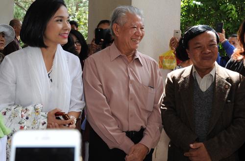 viet-trinh-ho-tro-350-benh-nhan-mo-duc-thuy-tinh-the