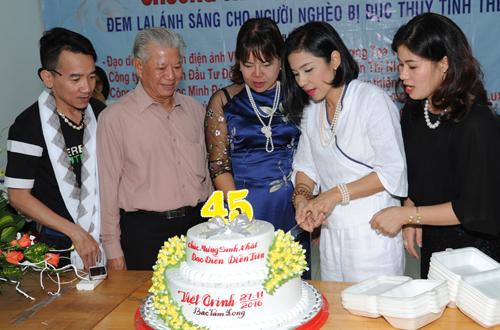 viet-trinh-ho-tro-350-benh-nhan-mo-duc-thuy-tinh-the-7