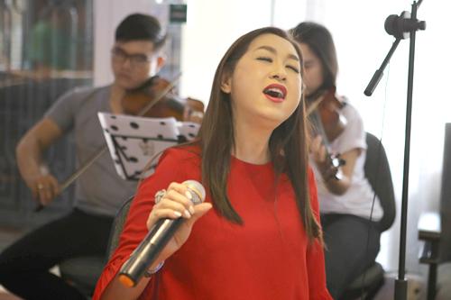 Ý Lan được Khánh Ly mời hát trong live show vì bà cho rằng giọng ca Kiếp nào có yêu nhau là sự thay thế hoàn hảo nhất cho danh ca Thái Thanh - người nghệ sĩ bà hẵng ngưỡng mộ.