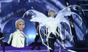 Lady Gaga đeo cánh thiên thần trong đêm trình diễn nội y