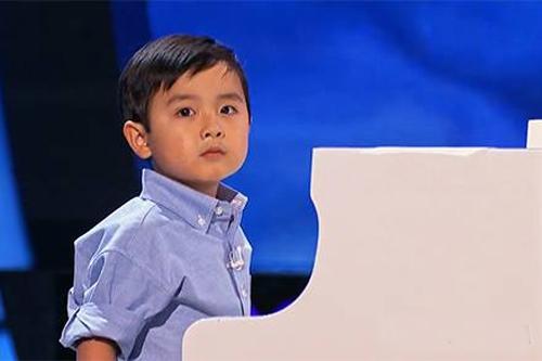 than-dong-piano-goc-viet-evan-le-lan-dau-ve-nuoc-bieu-dien