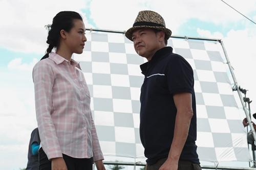 Nghệ sĩ Quang Minh (phải) kể tham gia bộ phim, anh được sống lại trong những cảnh thân thương như đồng lúa