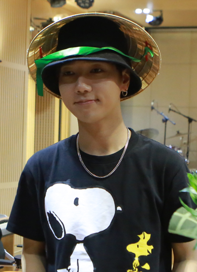 fan-viet-tang-hoa-sen-non-la-cho-ca-si-nhom-super-junior-3