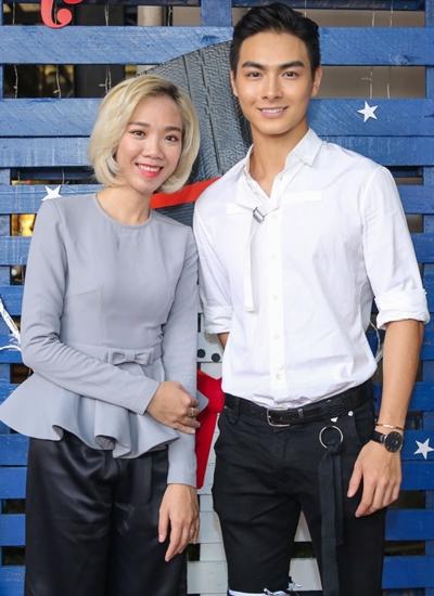 Người mẫu Jay Quân (trái) - bạn trai