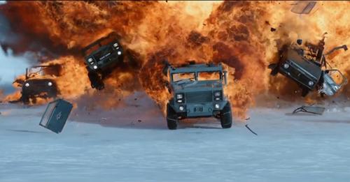 hon-50-xe-hoi-bi-pha-nat-trong-trailer-dau-tien-phim-fast-8