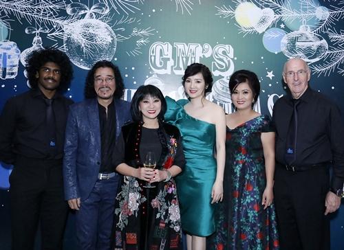 Vợ chồng nữ ca sĩ Cẩm Vân