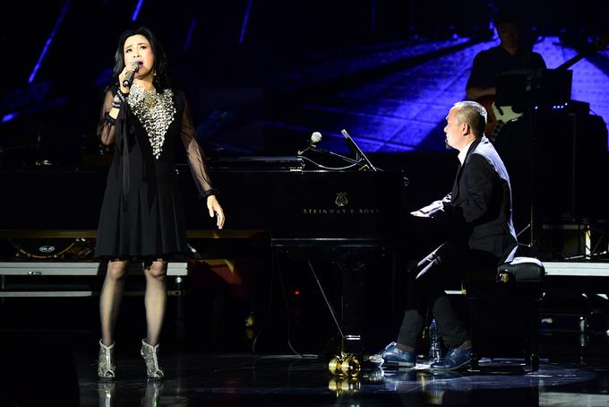 Thanh Lam trêu chọc Quốc Trung trên sân khấu