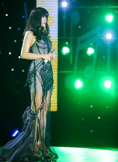 Nữ ca sĩ hải ngoại