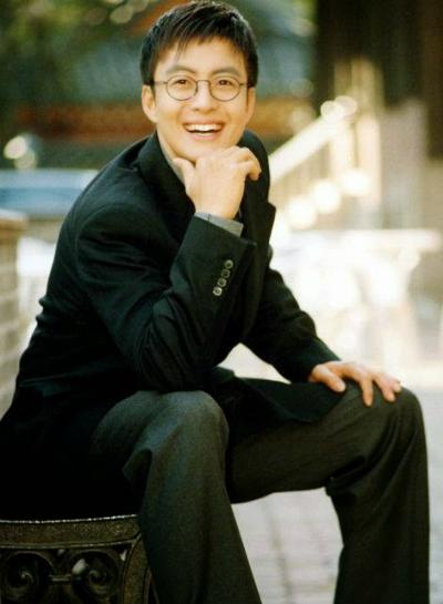 ngoai-hinh-gay-thuong-nho-cua-bae-yong-joon-20-nam-truoc-5