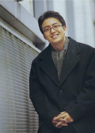 ngoai-hinh-gay-thuong-nho-cua-bae-yong-joon-20-nam-truoc-3