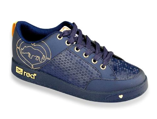 Giày Sneaker giá giảm chỉ còn 590.000 đồng so với giá ban đầu là 1,89 triệu đồng.