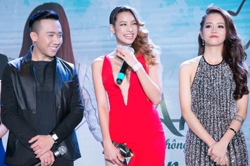 Người mẫu Lilly Nguyễn (giữa) và vlogger An Nguy (phải) lần đầu tiên đóng phim điện ảnh trong