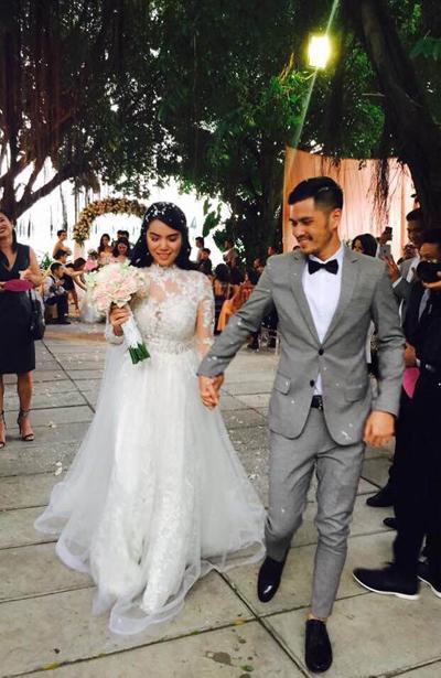 Ngày 29/12, biên đạo múa Alex Tú Nguyễn tổ chức đám cưới với Lys Nguyễn - cháu gái của nhạc sĩ Trịnh Công Sơn.