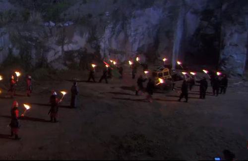 thu-tai-nhat-san-trong-phim-hoa-ngu-7