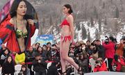 Thí sinh diện bikini thi sắc đẹp giữa trời tuyết ở Trung Quốc