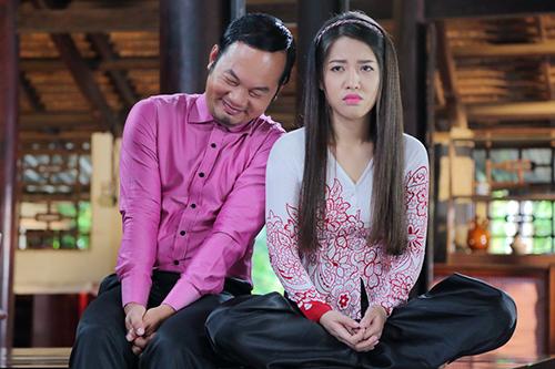 Diễn viên Long đẹp trai (trái) và Puka hóa thành đôi tình nhân Toán - Lý