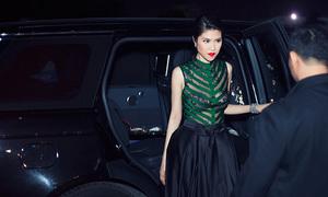Thu Hằng mặc váy xuyên thấu, đi xe hơn 10 tỷ dự sự kiện
