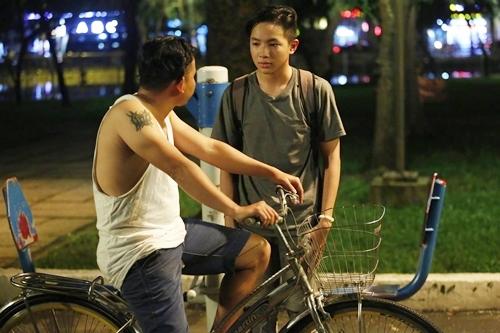 Không nằm trong tuyến nhân vật chính, nhưng vai diễn của Hữu Tân là một trong những mấu chốt quan trọng của mạch phim  chính là lời cảnh tỉnh về tệ nạn ấu dâm mà đạo diễn Vũ Ngọc Đãng muốn gửi gắm đến người xem.