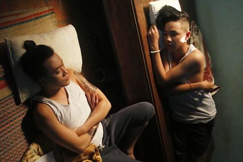 Để mời Hữu Tân tham gia phim, Lương Mạnh Hải gặp gia đình diễn viên nhí và thuyết phục. Bố mẹ Tân đã xem phần một của phim và ủng hộ em tham gia, miễn không ảnh hưởng tới học tập. Lịch quay cho Tân thường vào cuối tuần và buổi tối.