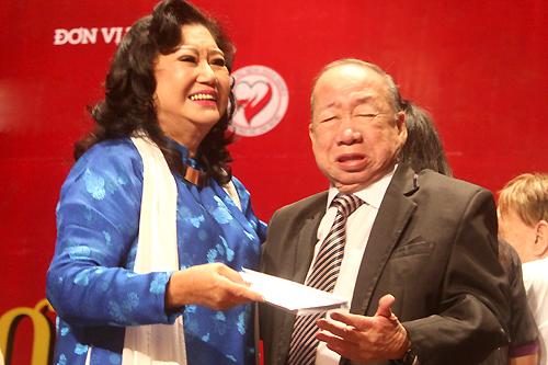 Cả hai từng là bạn diễn trong Tứ quái Sài Gòn, phim hài được sản xuất năm 1973 bởi hãng phim Lido. Phim có sự tham gia của nhiều tên tuổi khác như  Thẩm Thuý Hằng, La Thoại Tân...