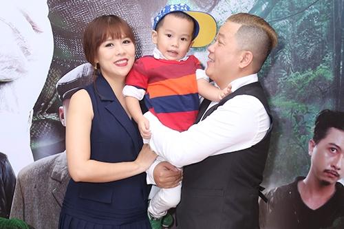 Hoàng Mèo dự chương trình cùng bà xã và con trai. Phim dự kiến công chiếu ngày 20/1.