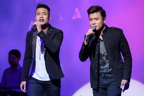 Ca sĩ Ngọc Minh Idol (trái)