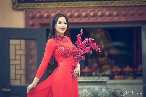 nguoi-dep-jasmine-le-duyen-dang-trong-ta-ao-dai-4