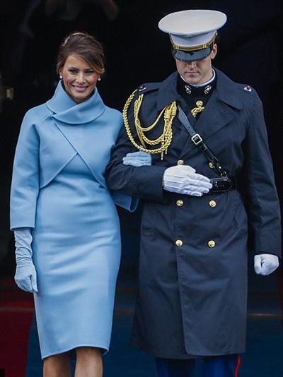 Trong lễ nhậm chức của Donald Trump hôm 20/1 ở Mỹ, bà Melania diện
