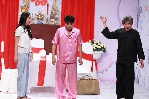 Tập 12 Ơn giời cậu đây rồi phát sóng tối 21/1. Người đẹp Nam Em là nghệ sĩ khách mời của chương trình. Cô vào vai con dâu cua