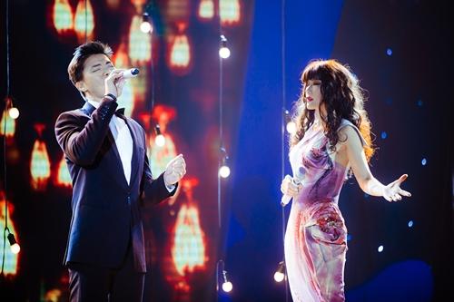 Cựu thí sinh Vietnam Idol và đàn chị