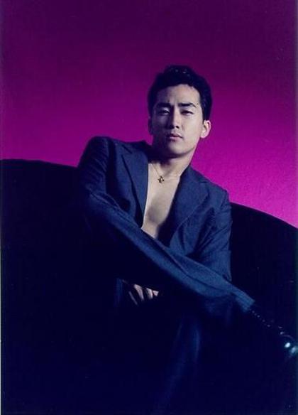 ngoai-hinh-dien-trai-gay-sot-cua-song-seung-hun-hon-20-nam-truoc-3