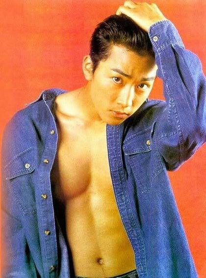 ngoai-hinh-dien-trai-gay-sot-cua-song-seung-hun-hon-20-nam-truoc