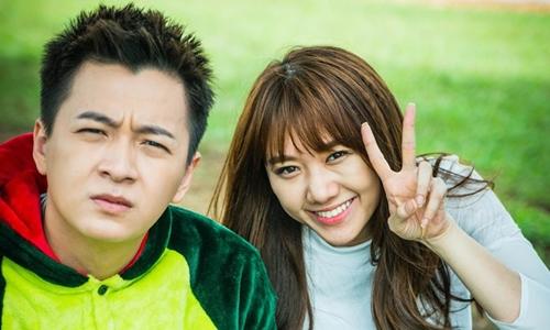 Hari Won (phải) và Ngô Kiến Huy trong phim 49 ngày phần hai.