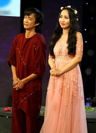 Chàng trai bán bún riêu Nguyễn Văn Út (trái) vào vai thằng gù trong tác phẩm Thằng gù nhà thờ Đức Bà.