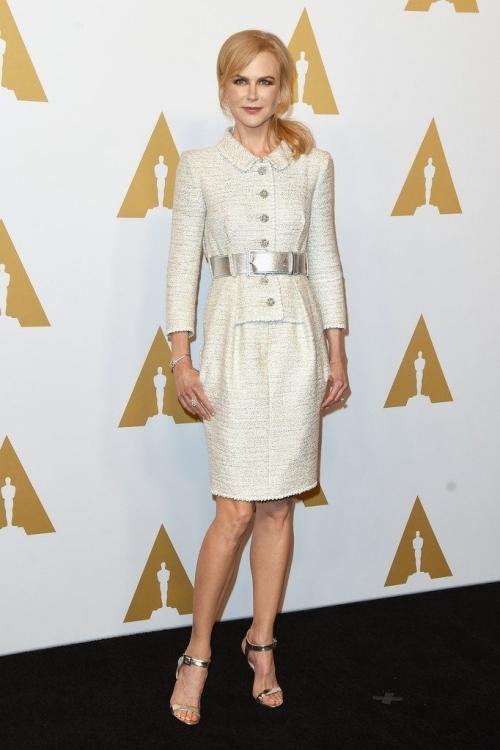 Kate Upton đẹp nhất tuần với đầm satin gợi cảm