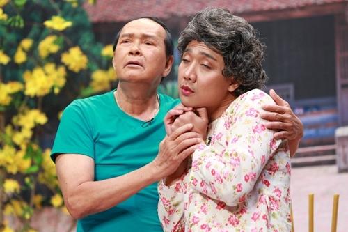 Diễn vai người vợ hay ghen tuông, Trấn Thành liên tục trêu đàn anh bằng cách tự so sánh mình với NSƯT Thanh Kim Huệ - bà xã của Kim Điền.