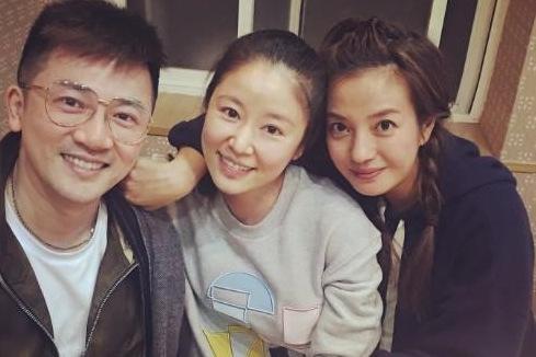 Bộ ba vẫn thân thiết sau hơn 20 năm đóng phim Hoàn châu cách cách.