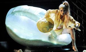10 khoảnh khắc gây sốc trong lịch sử Grammy