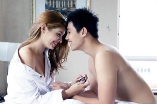 nhung-scandal-ngoai-tinh-on-ao-cua-showbiz-viet-2