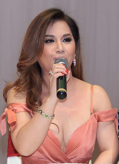 Đây là lần thứ hai Minh Tuyết về nước làm giám khảo cho một cuộc thi âm nhạc. Cô