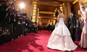 Điểm đặc biệt của 12 bộ váy đẹp nhất lịch sử Oscar