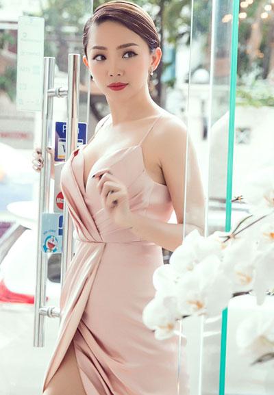 angela-phuong-trinh-huong-giang-idol-thu-hut-voi-kieu-toc-lech-6