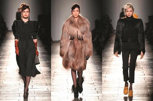 Những thiết kế cuối trong bộ sưu tập được tạp chí thời trang Vogue đánh giá là trang phục dành cho những ngôi sao có danh vị cao nhất trong Giải thưởng của Viện Hàn lâm danh giá, được chuyển từ kinh đô thời trang Milan qua Hollywood để tham dự giải Oscar.